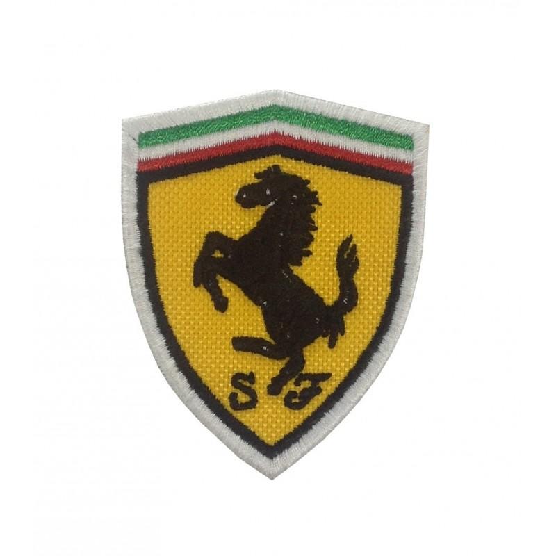 0323 Patch écusson Brodé 7x5 Ferrari Patcholand