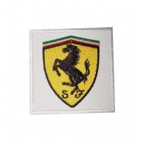 Patch écusson brodé 7x7 FERRARI