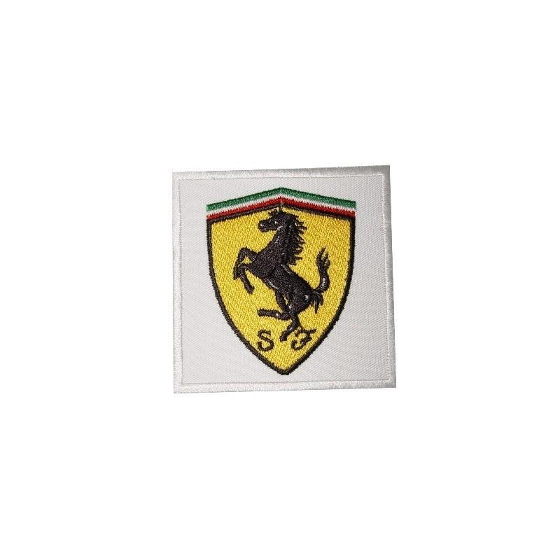 0330 Patch écusson Brodé 7x7 Ferrari Patcholand